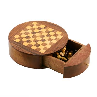 Battle of the Minds Handmade Portable Wooden Chess Set - Quick Ship - Puzzlicious.com