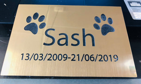 Memorial pet plaques