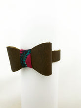 Load image into Gallery viewer, Leather Bow Bracelet