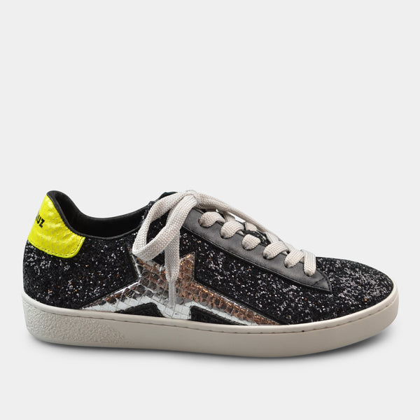 LOLA CRUZ SNEAKER NORMA IN BLACK WITH STAR DETAIL