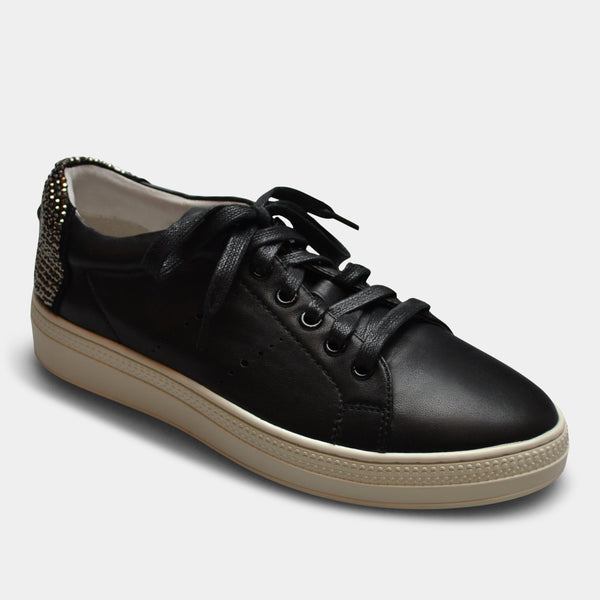 LOLA CRUZ SNEAKER IN BLACK