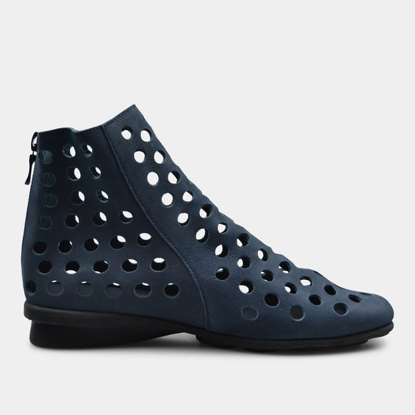ARCHE DATO BOOTS IN NAVY
