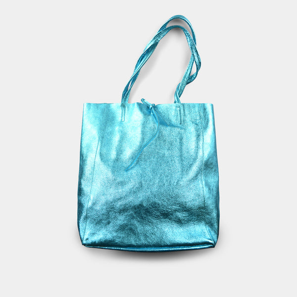 JIJOU CAPRI METALLIC MAXI LEATHER TOTE IN LIGHT BLUE