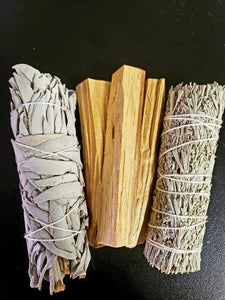Smudging Combo (1 White, 1 Blue Sage and 3 Palo Santo Sticks.