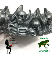 Load image into Gallery viewer, Dark Gray Resin Skull Trinket Tray