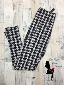 Plus Size Hounds Tooth Print Leggings - Sassy Chick Clothing