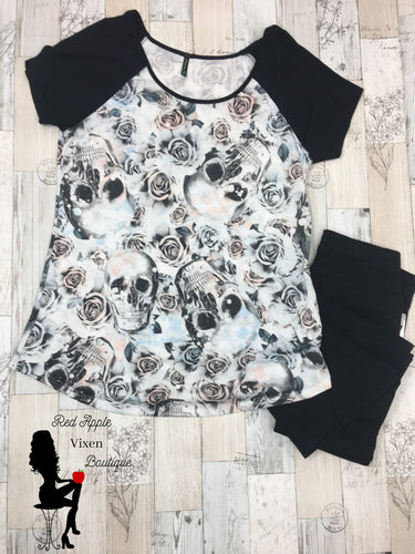 Skull Tee - Sassy Chick Clothing