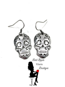 Skull Cut Out Dangle Earring - Red Apple Vixen Boutique