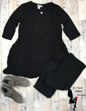 Load image into Gallery viewer, V neck, 3/4 Length Sleeve Tunic with Side Pockets