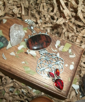 Insatiable Incubus Seeking His Other Half – Brown Agate & Quartz Pendant - Autumn Dusk Spirits