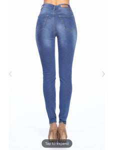 High Rise Skinny Jeans l A&B's Boutique