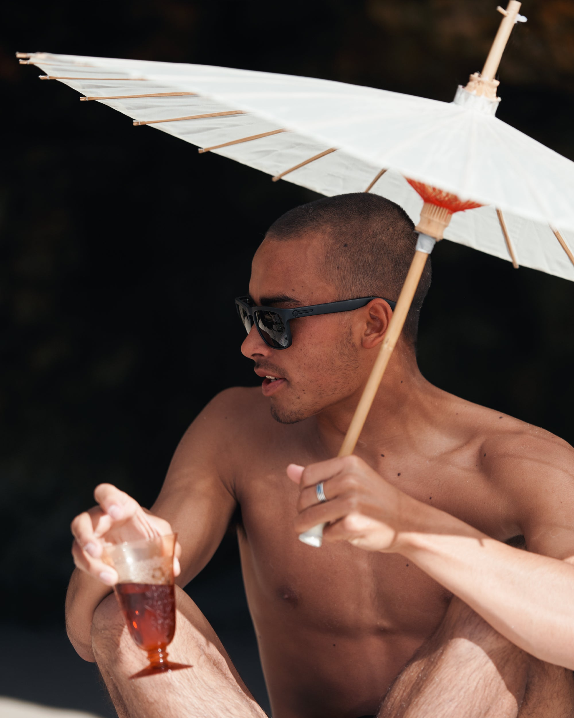 Man wearing the Knoxville sunglasses