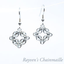 Load image into Gallery viewer, Rayven's Chainmaille| Silver Celtic Labyrinth Chainmail Earrings