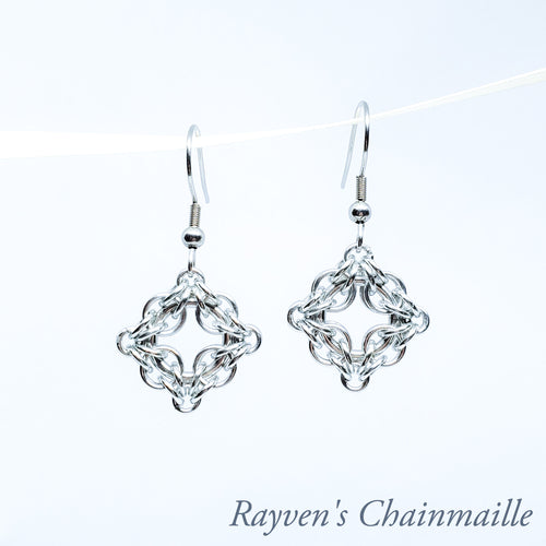 Rayven's Chainmaille| Silver Celtic Labyrinth Chainmail Earrings