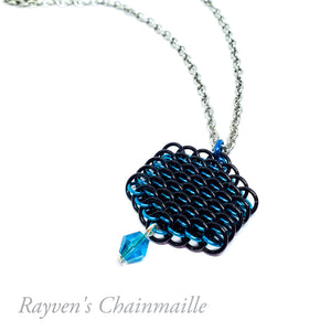 Dragonscale Crystal Hex Chainmail Necklace - Rayven's Chainmaille