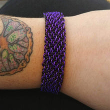 Load image into Gallery viewer, Purple & Black Vipera Berus Chainmaille Bracelet - Rayven's Chainmaille