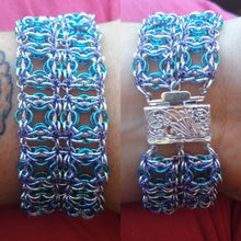 Load image into Gallery viewer, Blue & Lavender Celtic Labyrinth Chainmaille Bracelet - Rayven's Chainmaille