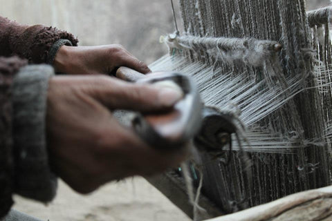 hand weaving in Kashmir