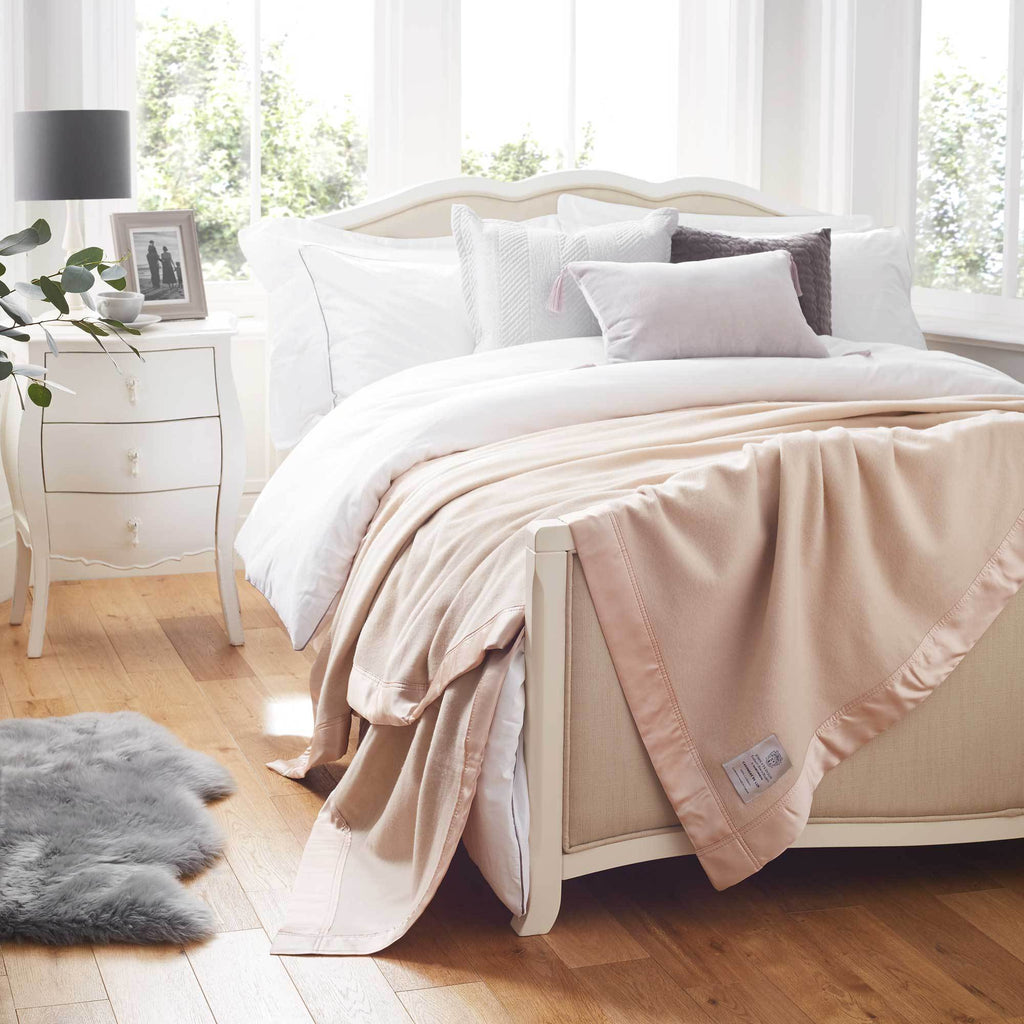 Atkinson Cashmere De Luxe Blanket LUXURY BEDDING The Wool Company
