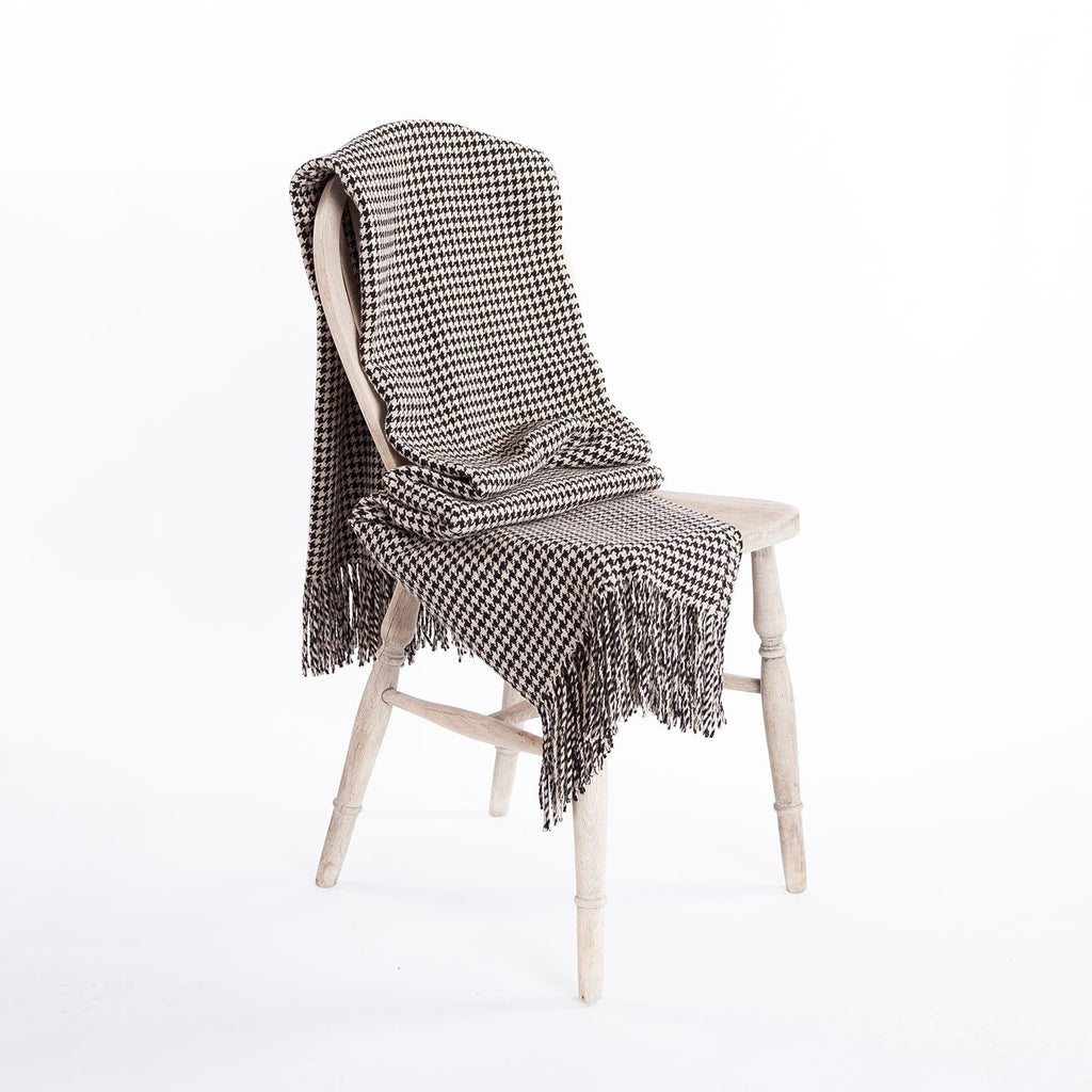 Dogtooth Lambswool Throw in Black & Cream LIVING The Wool Company