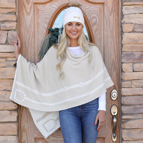in 2 green knit poncho stirrup