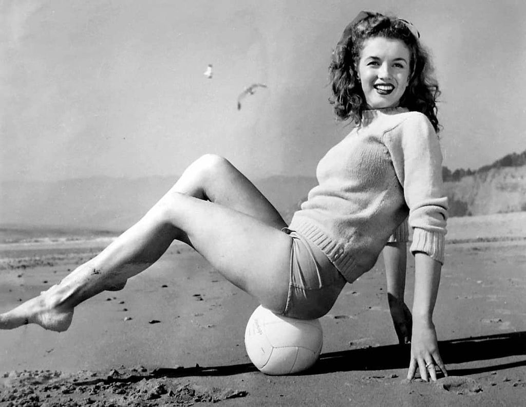 Marilyn Monroe photographed by Andre de Dienes, 1945