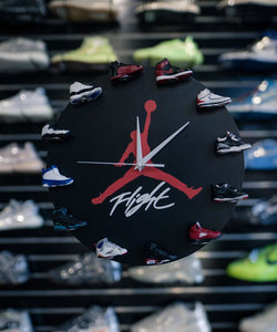 AJ 3D Sneaker Clock with 1-12 Retros Mini Sneakers