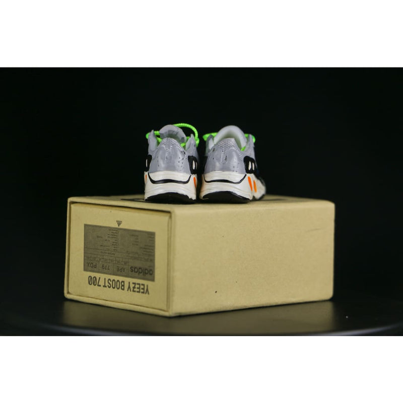 Miniature 700 Runwaver 3D Sneaker Keychain with Box/Bag