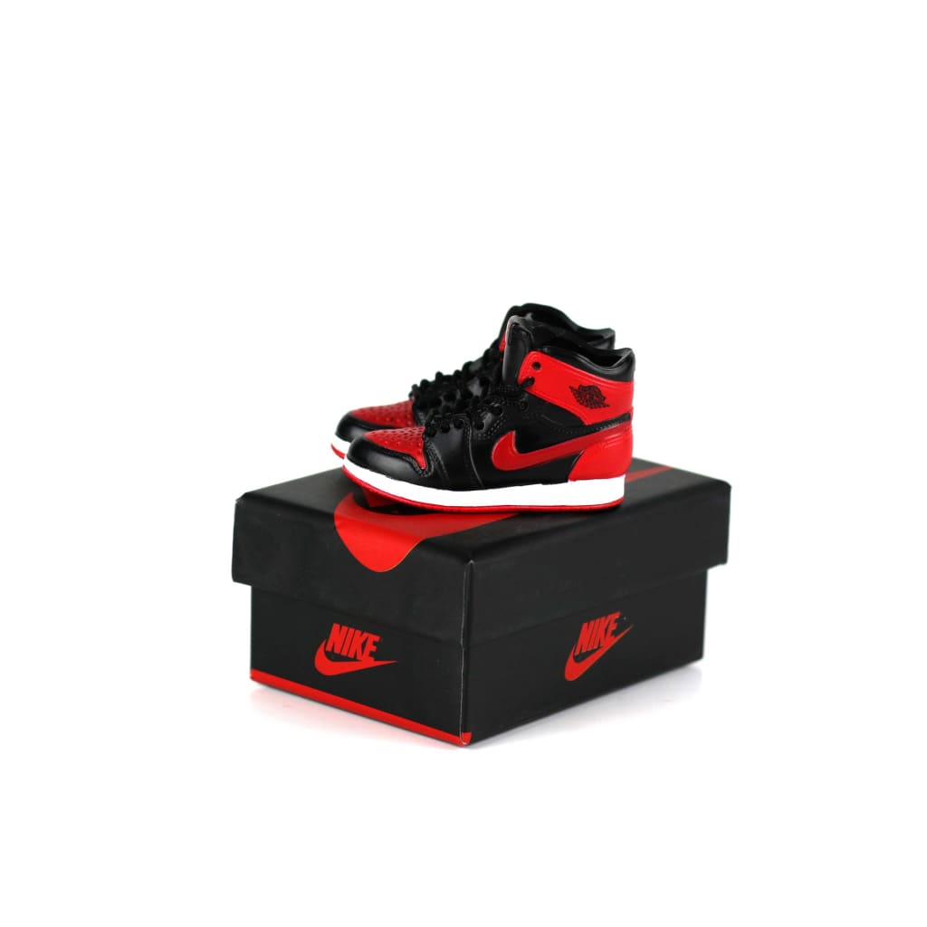 Miniature AJ AJ1 BRED OFF-WHITE + Black Laces 3D Sneaker Keychain with Box/Bag