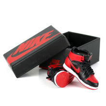 Load image into Gallery viewer, Miniature AJ AJ1 BRED OFF-WHITE + Black Laces 3D Sneaker Keychain with Box/Bag - 1 Pair