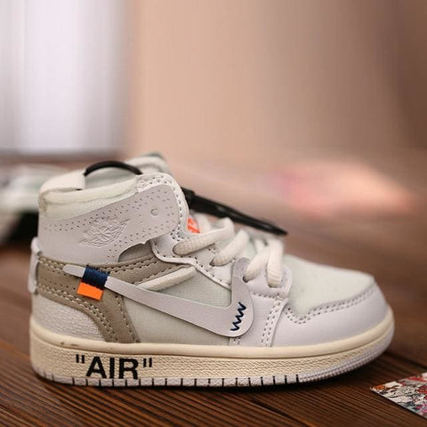 AJ1 OW Sneaker 3D Bag-Charm / Display Kicks can be attached to Backpacks and Suitcases - Jordan 1 Retro High Off-White White - Action & Toy