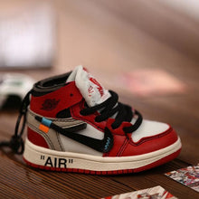 Load image into Gallery viewer, AJ1 OW Sneaker 3D Bag-Charm / Display Kicks can be attached to Backpacks and Suitcases - Jordan 1 Retro High Off-White Chicago - Action &