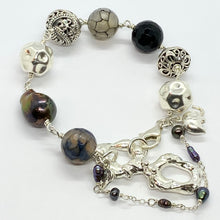 Load image into Gallery viewer, Liquid Silver Bracelet - Black Baroque Pearl