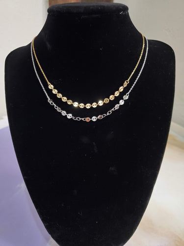 Simple Medallion Collar Necklace