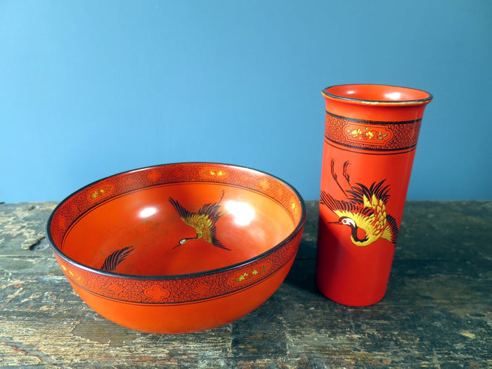Striking Shelley matching red vase and bowl made in the 1920s