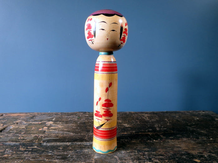 Kokeshi doll - Yajiro with detailed blossom design - medium (25cm)