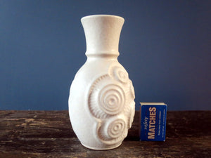 White Bay Keramik vase with circular relief pattern 84-17
