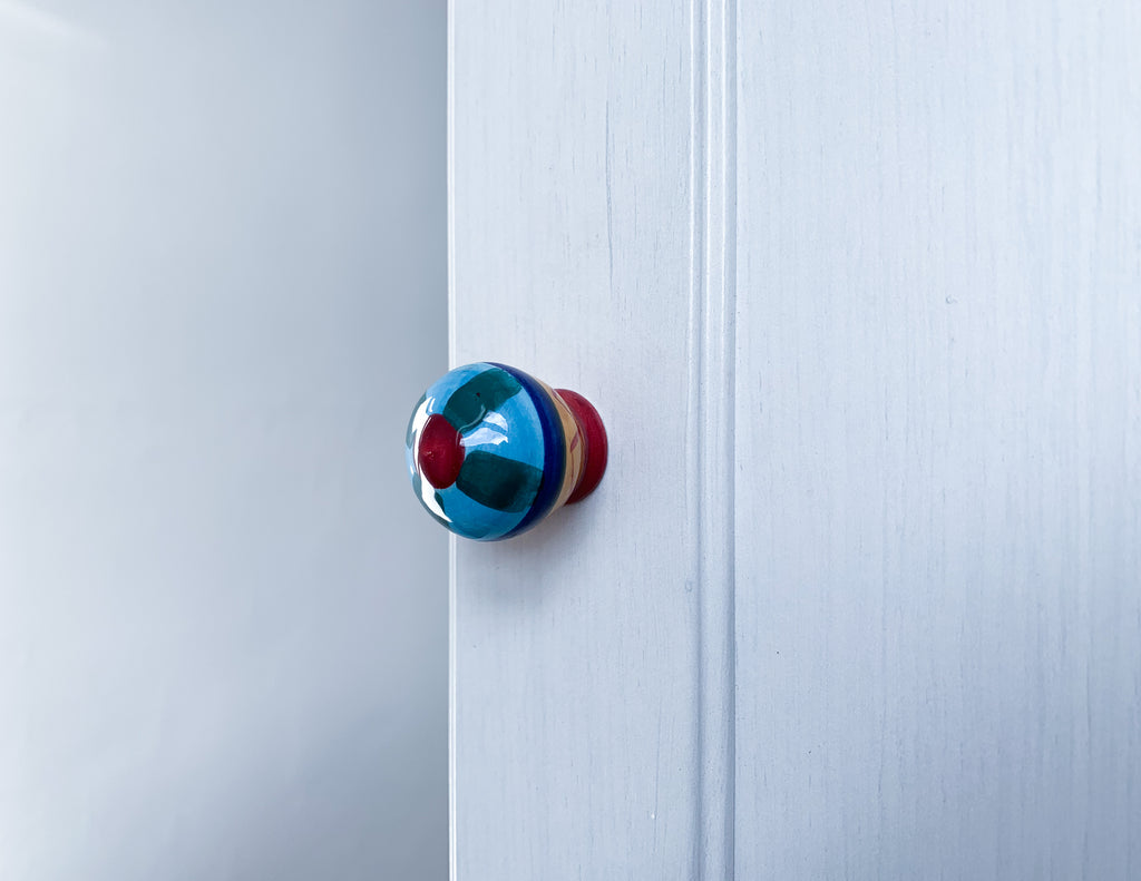 Bright Ceramic Door / Drawer Knob