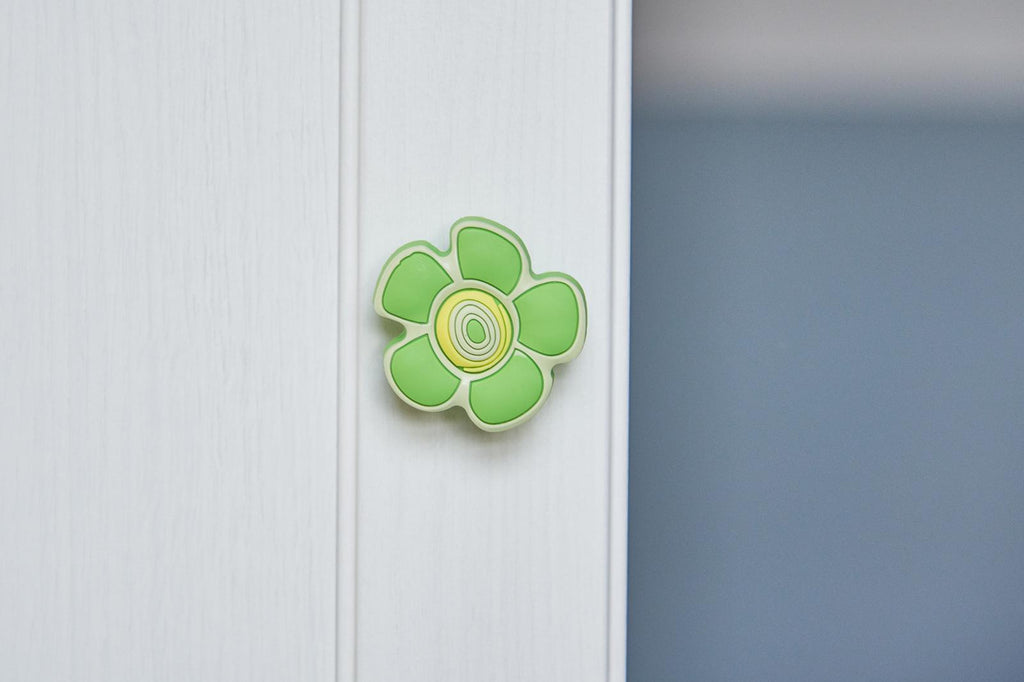 Green Crazy Daisy Door / Drawer Knob