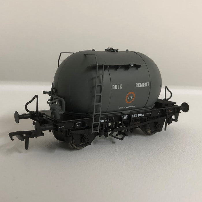 More Bubble Fun with Original Slate Grey and Irish Cement Wagons