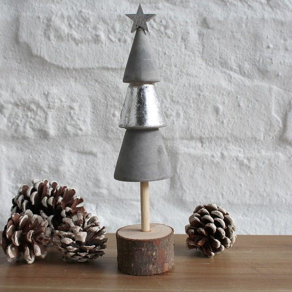 Wood/Cement Christmas Tree