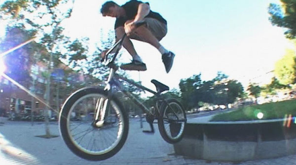 KICKBACKS AND KEBABS - BMX IN BARCELONA