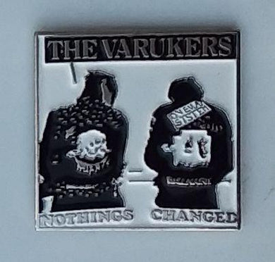 VARUKERS ENAMEL BADGE
