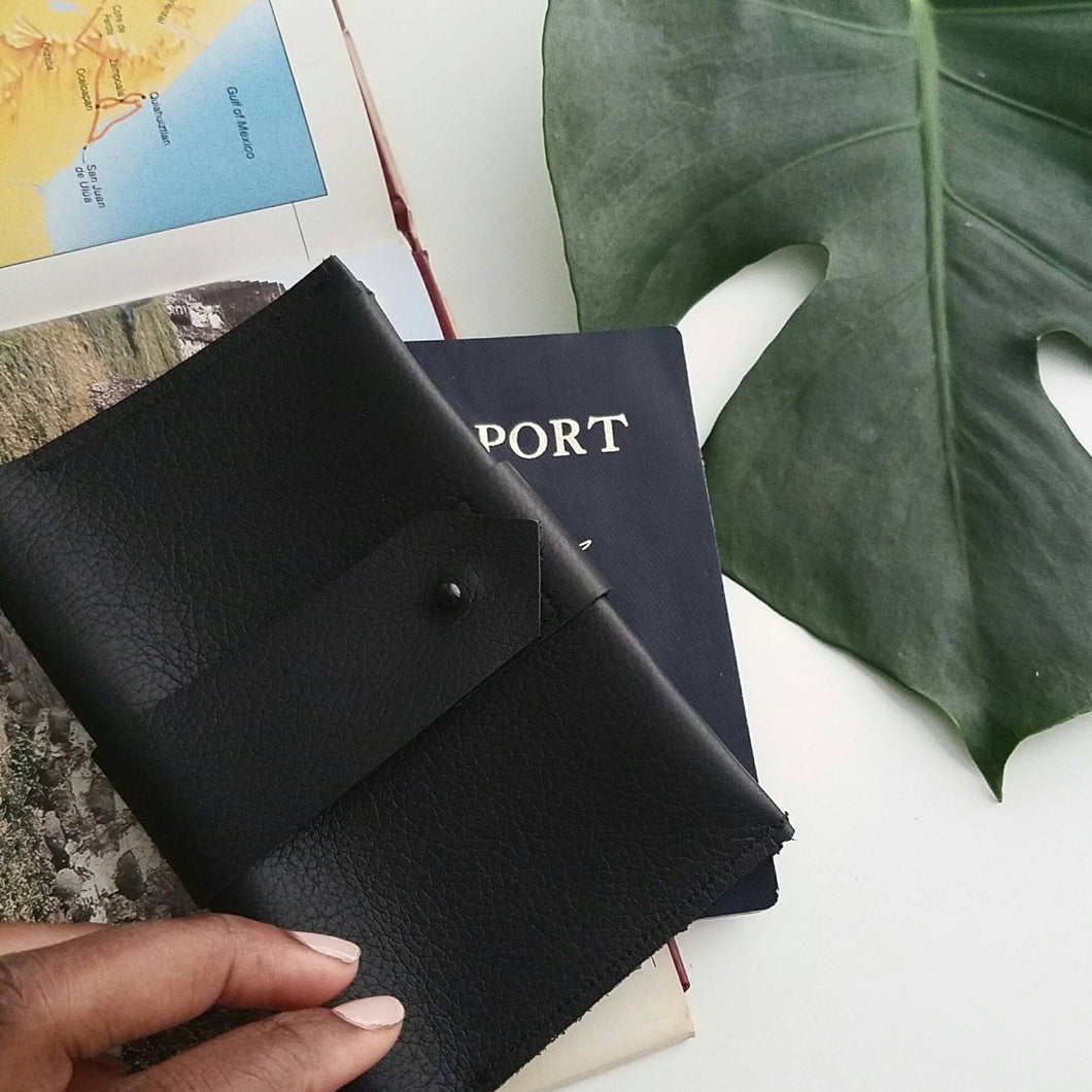 NOIR - Leather Passport Cover