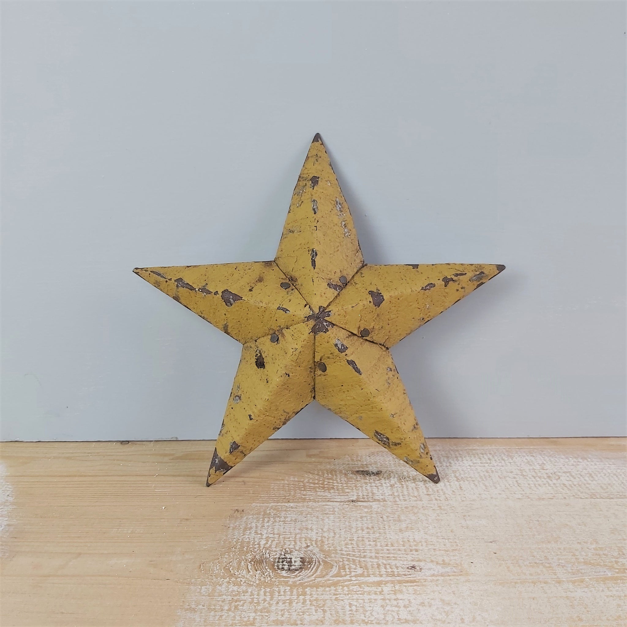 Medium Tin Mustard Vintage Christmas Star