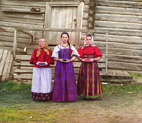 Sergey Mikhaylovich Prokudin-Gorsky Three Russian Peasant Girls