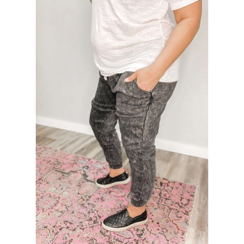 Black Vintage Washed Joggers:The Rustic Buffalo Boutique