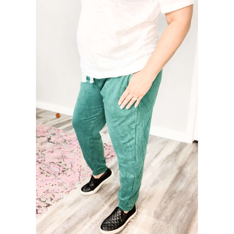 Green Vintage Washed Joggers:The Rustic Buffalo Boutique