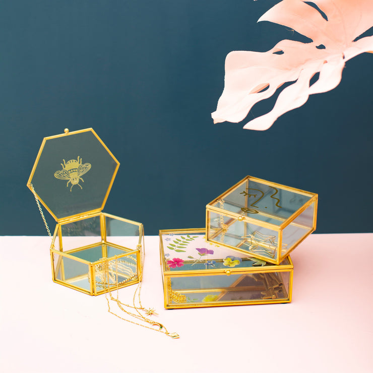 Sass & Belle Busy Bee Glass Box