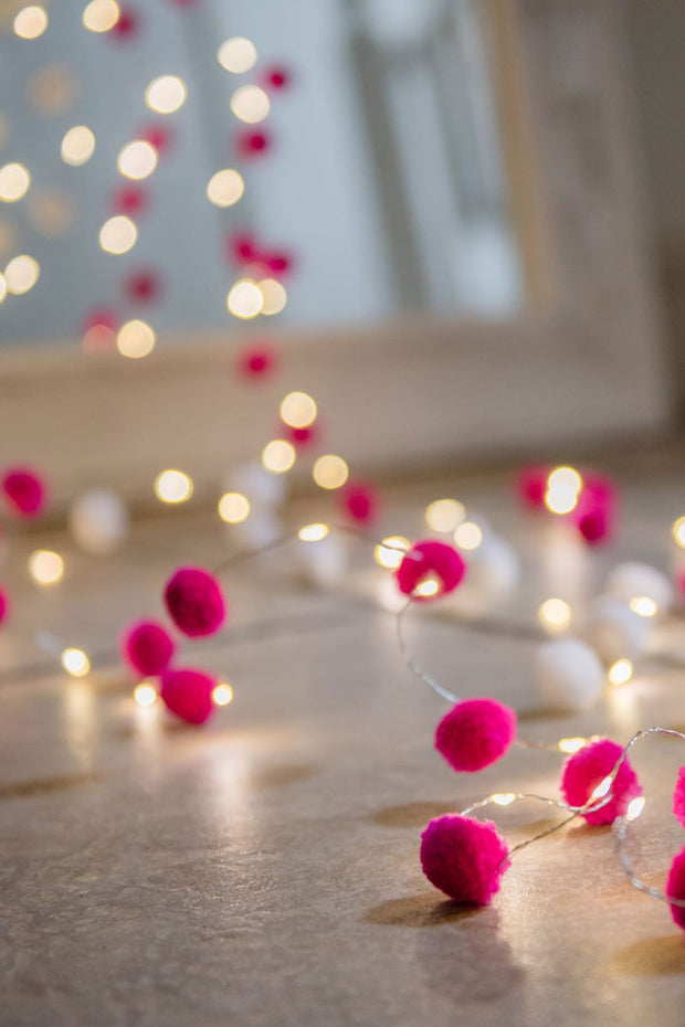 Pom Pom galaxy Fairy Lights - Pink